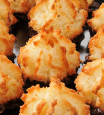 Vegan Low-fat coconut macaroons
