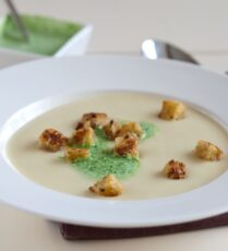 Vegan cream of parsnip soup