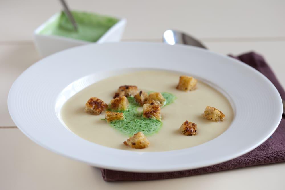 Vegan cream of parsnip soup